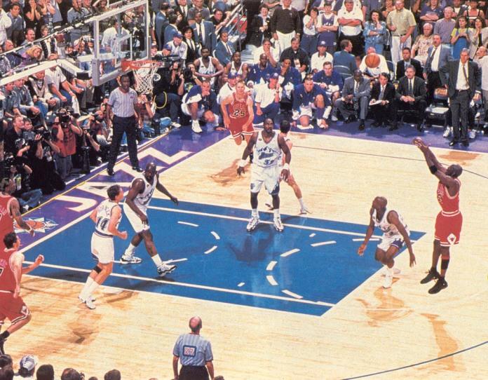 Michael-Jordan-s-Last-Shot-As-A-Bull-michael-jordan-8773417-1000-779